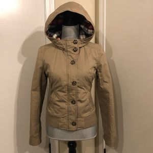 Women's Zipper & Button up jacket w/hood